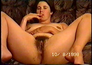 dilettante drunk wife spreads her legs and