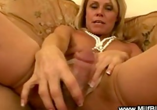 bimbo cougar is pleasing a pounder