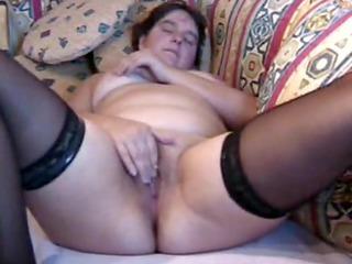 bulky milf masturbates to orgasm