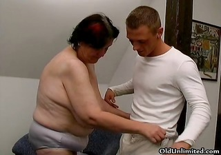 chubby old housewife gets screwed part3