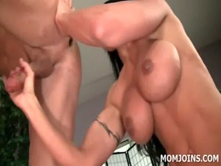 tattoed cougar anal drilling and eating hard