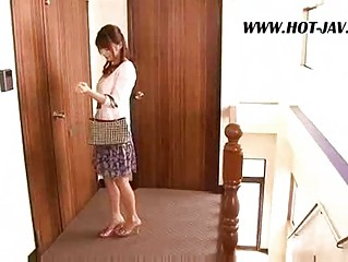 oriental wife bonks the repair boy
