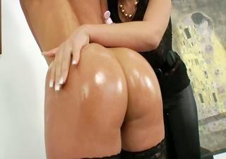 lezz anal chicks using brutal dildos